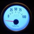 Td Autós sport Műszer olajnyomásmérő fehér hátterű OR-LED7704
